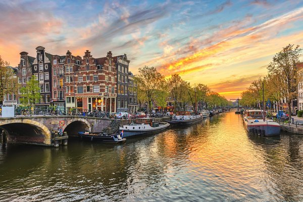 3-Days-in-Amsterdam-Canal-1.jpg#asset:677